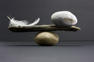 balance feather stone - dreamstime_xxl_9756264